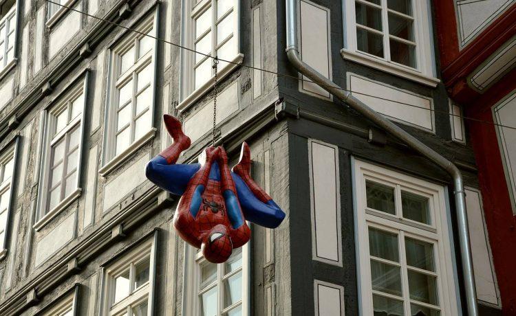 spider-man ufficio